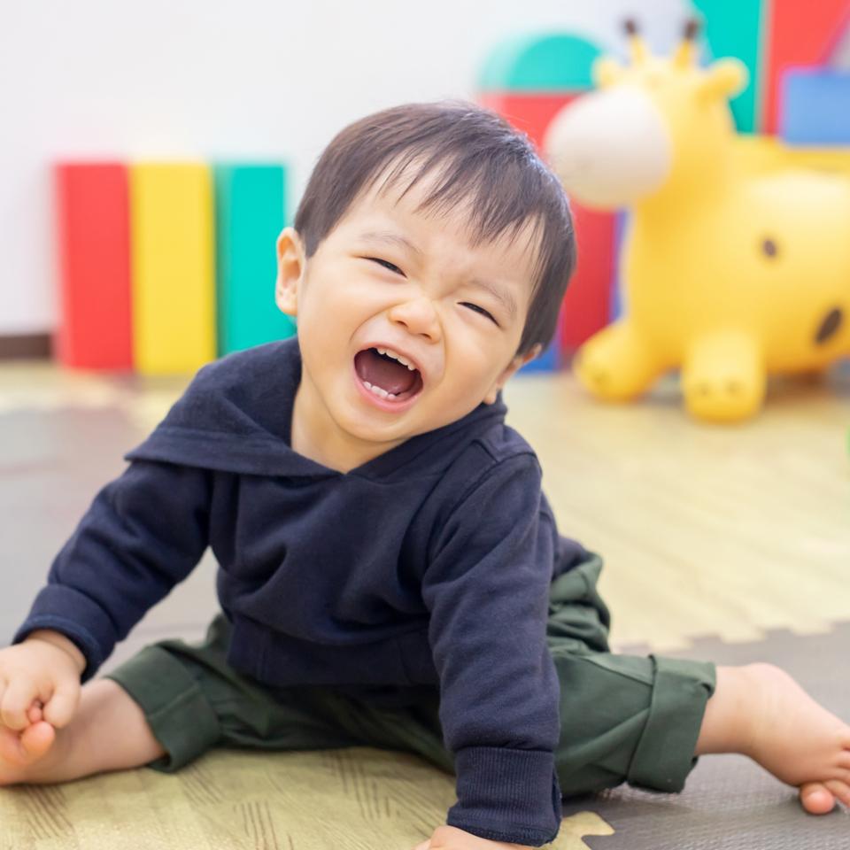 https://www.coco-cari-egg.jp/common/uimg/自由遊びが子どもの成長に与える良い影響とは?