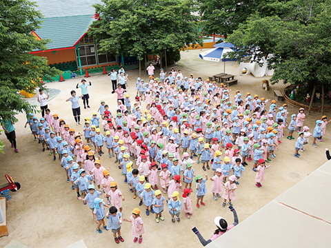 国風第一幼稚園 園長先生・採用担当からのメッセージ