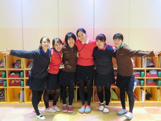 認定こども園ムロノキッズ室の木幼稚園・プリスクール室の木 若い先生方が活躍できる風通しの良い職場です!
